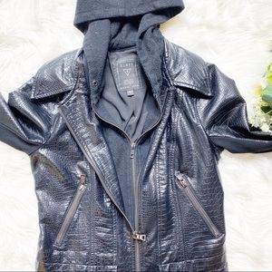 Guess Jackets & Coats - ❤️SOLD❤️Guess Women's Textured Leather Jacket